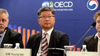 Young Tae Kim OECD World Forum Incheon